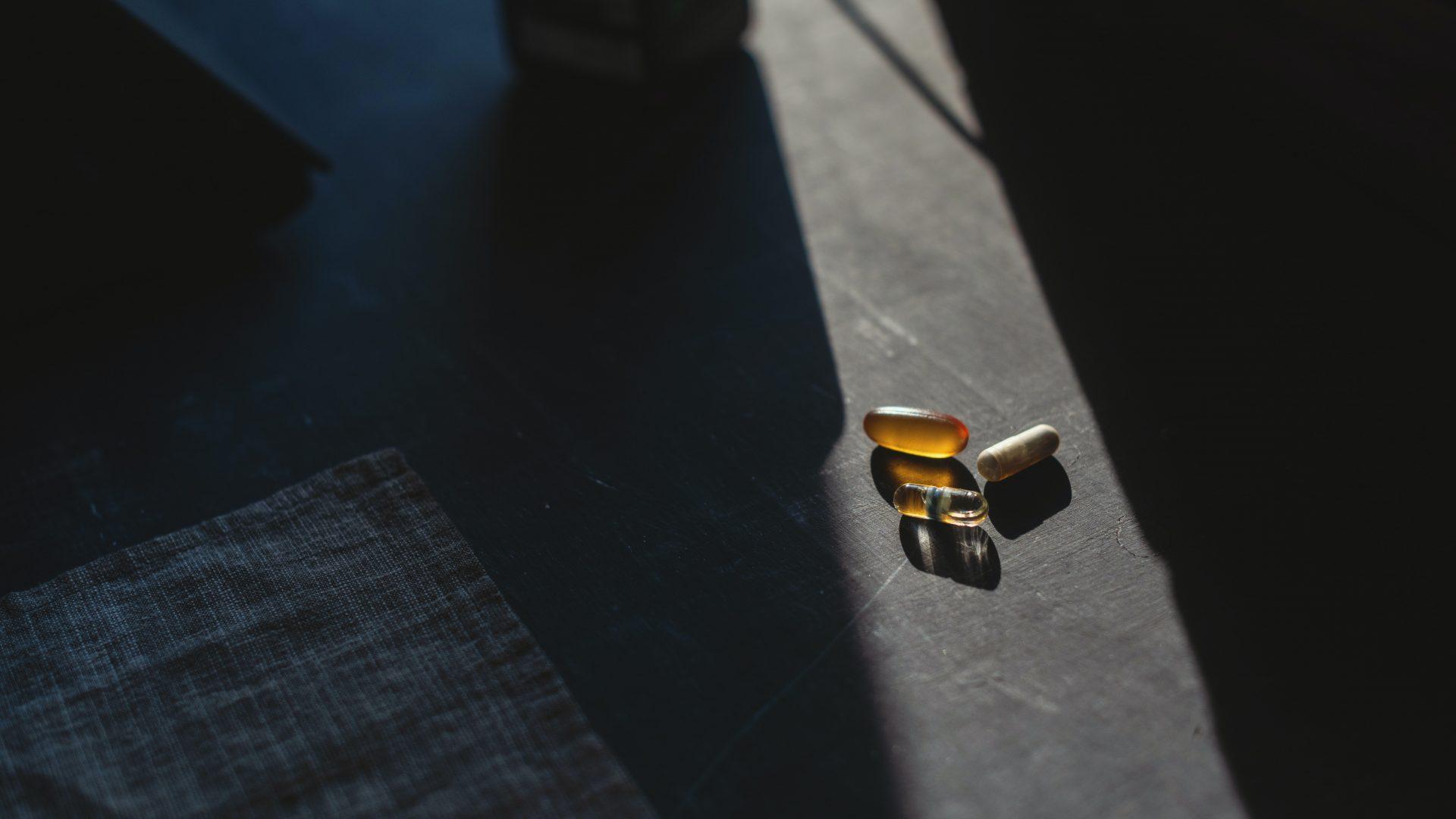 black and brown lego blocks